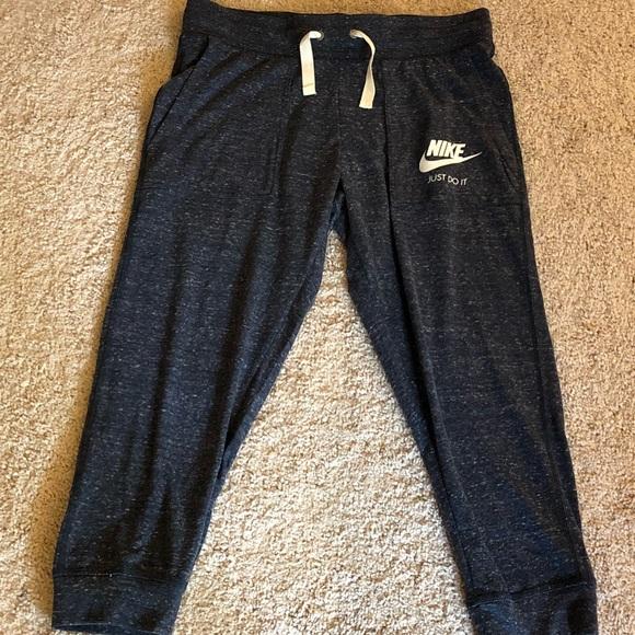 Women s Nike Sportswear Vintage Capris bd8f824a48d37